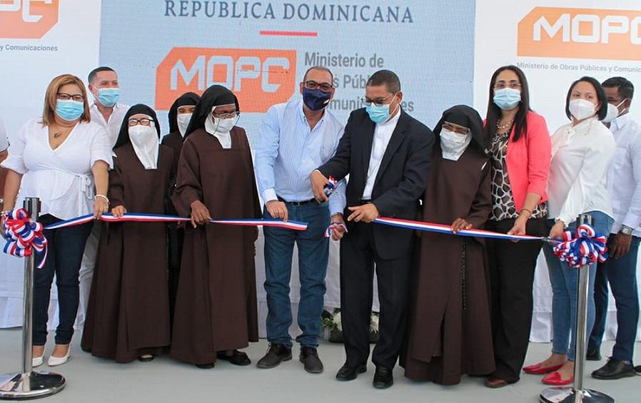 Obras Públicas entrega monasterio a Hermanas Carmelitas.
