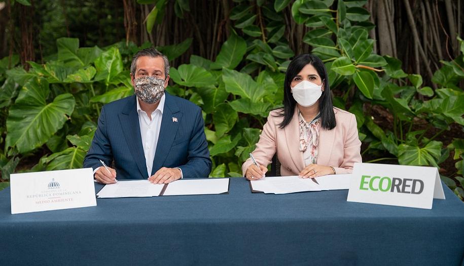 ECORED y Medio Ambiente renuevan acuerdo.