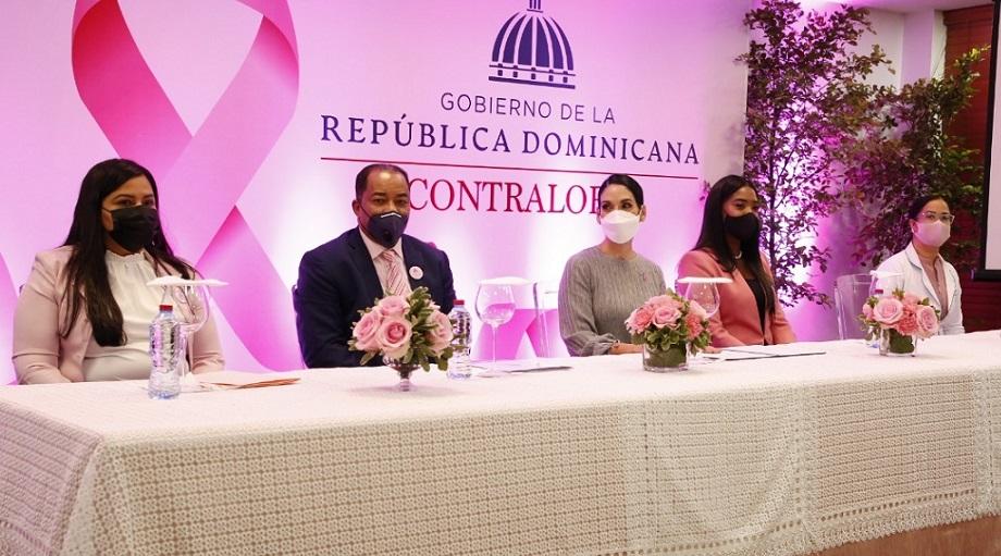 Raquel Arbaje y Catalino Correa Hiciano dirigen actividad salud femenina.